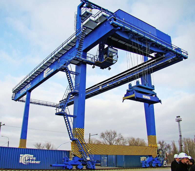 Gantry container crane 