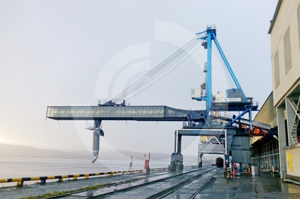Ship loader Neva-1500, Murmansk